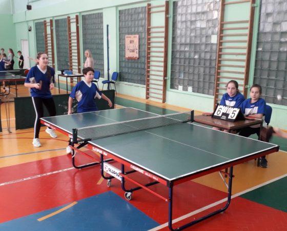 Tenis stołowy dziewcząt