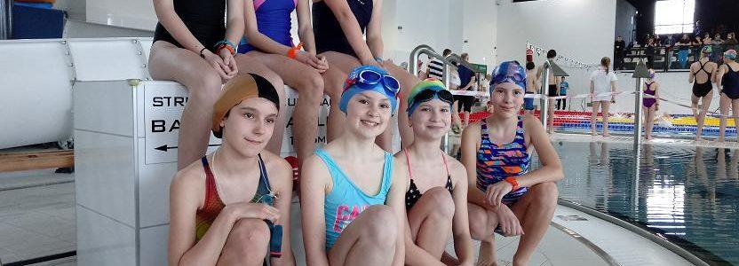 Półfinał Wojewódzki Igrzysk Dzieci  w pływaniu sztafetowym dziewcząt