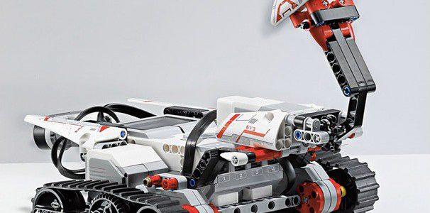 Zajęcia z robotyki (LEGO Mindstorms) i programowania w Pythonie
