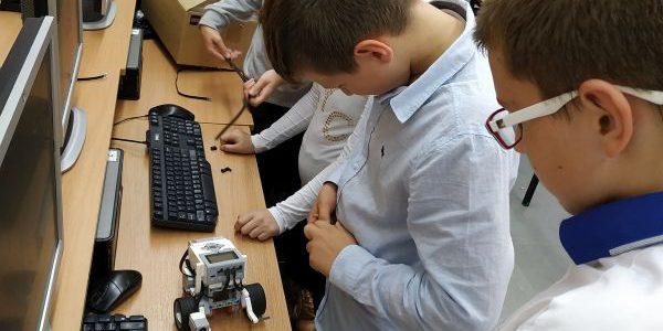 Zajęcia z robotyki i programowania