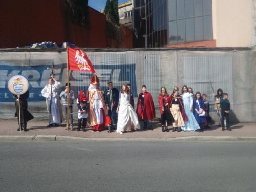 Młodzieżowa parada niepodległości